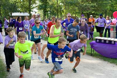 Runners start the race at a Pump It Up for Platelets event
